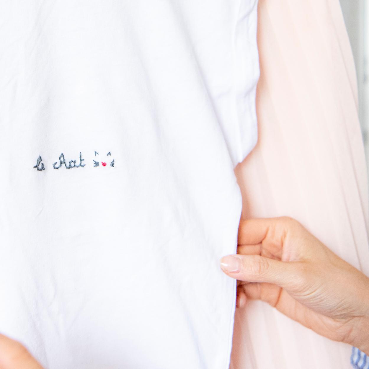 03/04 - Borduren op T-shirt (by NUÏ )