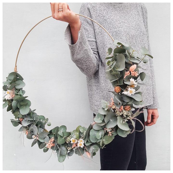 13/03 - Floral hoop met Moonflower